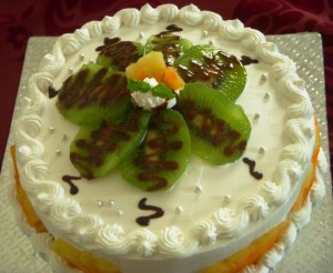 Fresh Pineapple and Kiwi Cake
