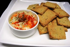 multigrain-savoury-crackers-with-hummus